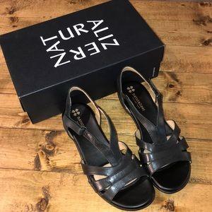 Naturalizer Black Leather Neina Sandals Like New
